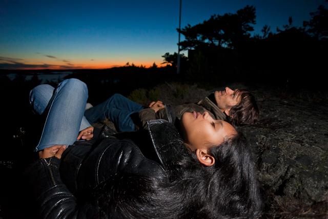 Blits foto om natten og i skumringen